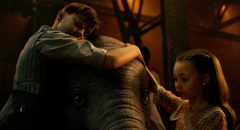 """DUMBO"": IL TRAILER ITALIANO DELL'ATTESO LIVE ACTION FIRMATO TIM BURTON"