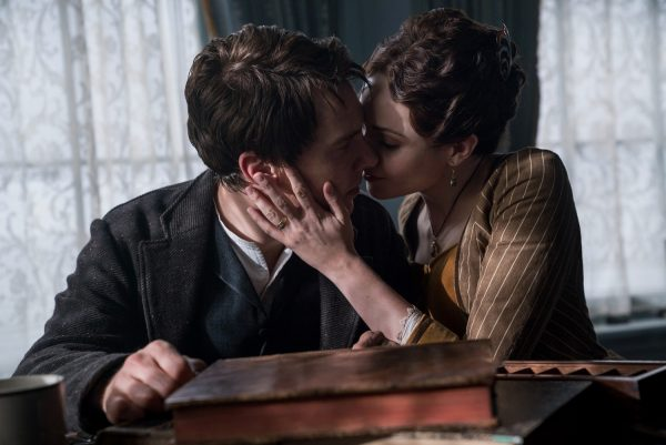 Benedict Cumberbatch and Tuppence Middleton star in The Current War Photo: Dean Rogers/ The Weinstein Company © 2017 The Weinstein Company. All Rights Reserved